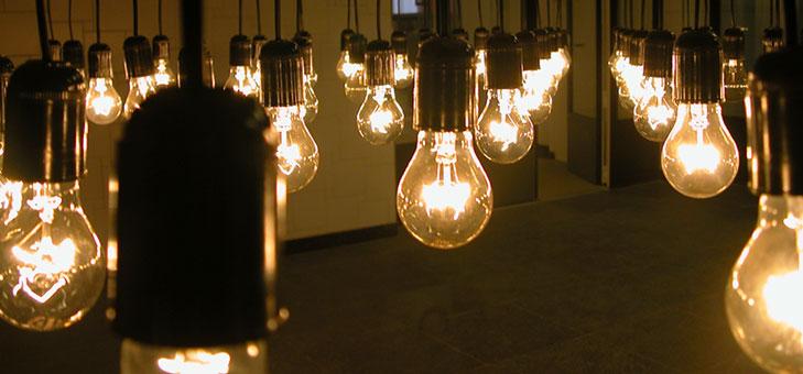 hanging-lightbulbs